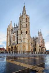 Spanish mature gay living in Madrid seeks for an irish mature gay man.